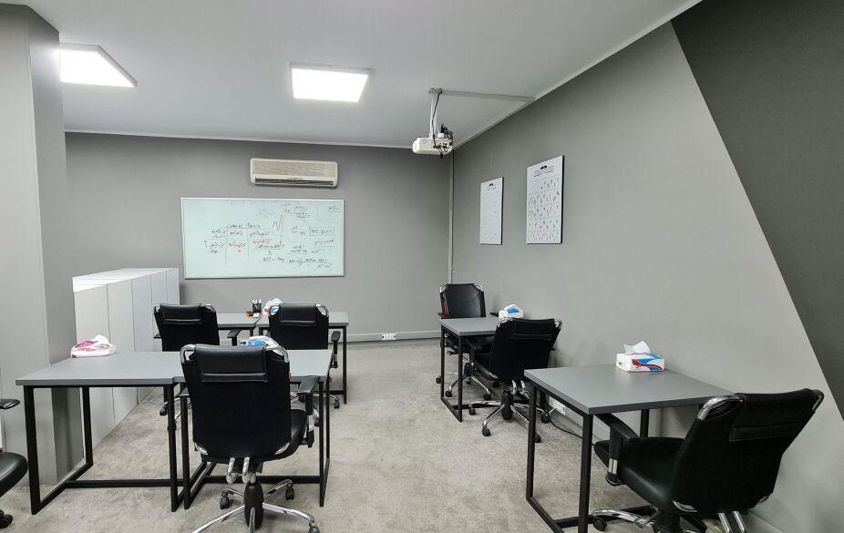 فضای کلاس های آموزشی عمادمی